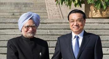 India's Prime Minister Manmohan Singh & Chinese Premier Li Keqiang in Beijing, Oct.23